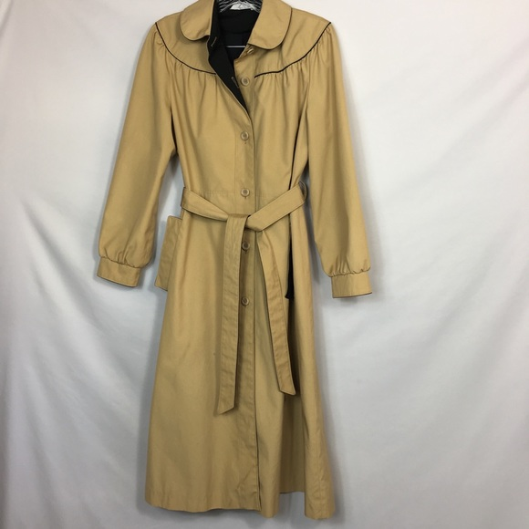 ICI International Jackets & Blazers - ICI International Classic Inc Beige Trench Coat